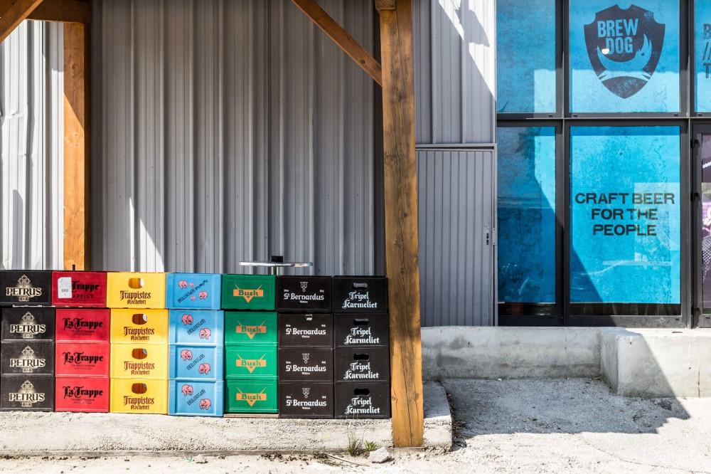 Bières du monde et d'Ailleurs-04 94 35 58 51-à emporter du lundi au samedi de 12H à 20H.